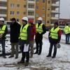 Symboliczne wkopanie łopaty na placu budowy 15 budynku MTBS